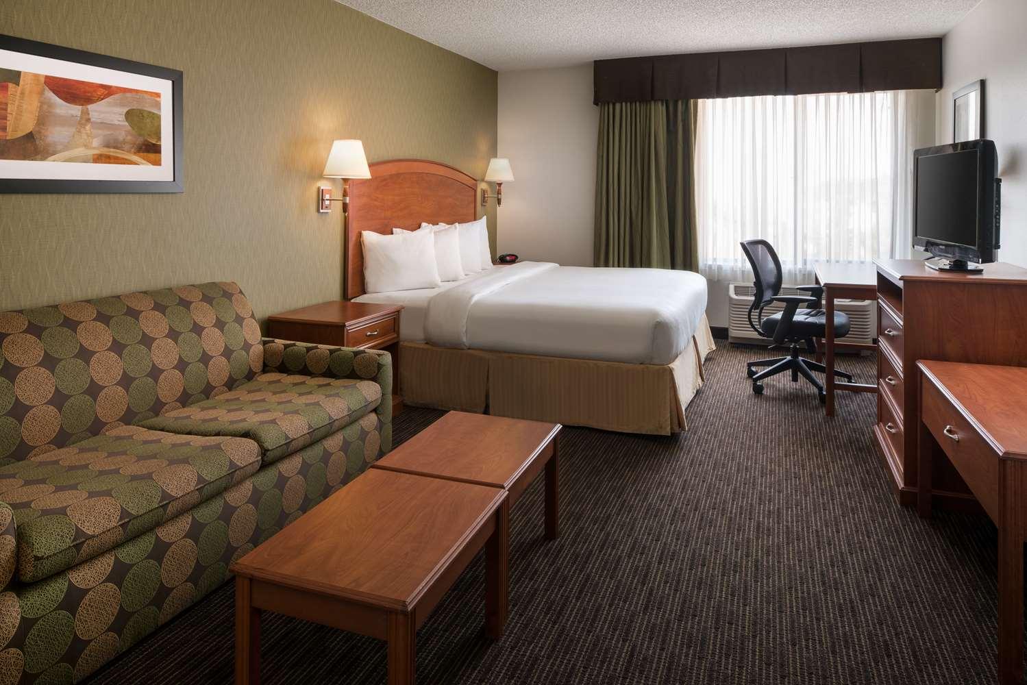 Best Western Plus Denver International Airport Inn Suites