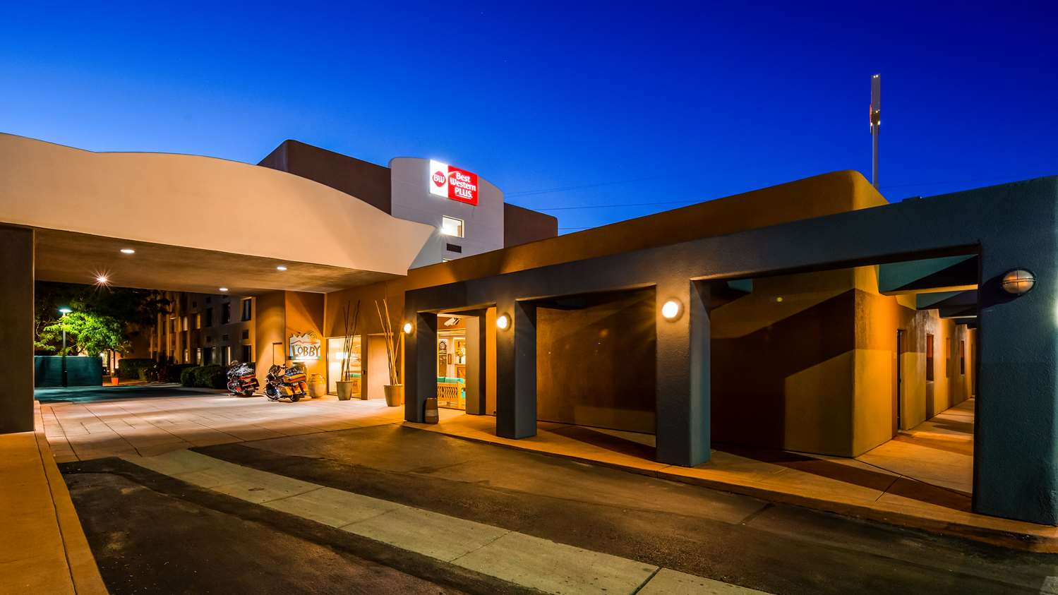 Best Western Plus Rio Grande Inn | Hotels in Albuquerque