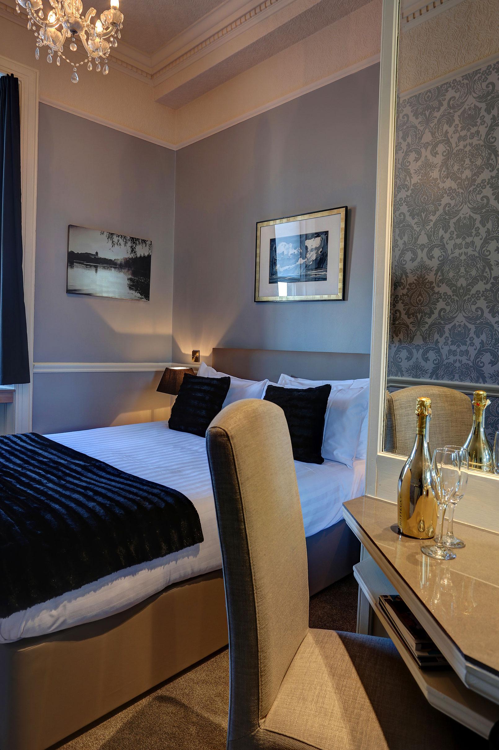 Best Western Hotel Room: Best Western Edinburgh South Braid Hills Hotel