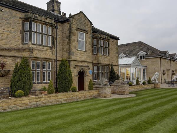 Best Western Rogerthorpe Manor Hotel Hotel Grounds