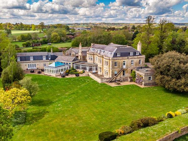 Best Western Leigh Park Country House Hotel & Vineyard Hotel Grounds