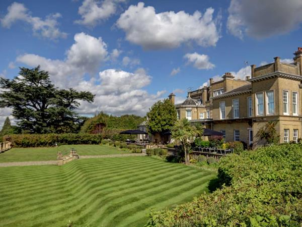 Best Western Chilworth Manor Hotel Hotel Grounds