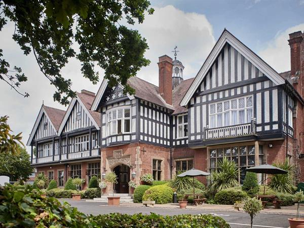 Best Western Laura Ashley - The Iliffe Hotel Grounds