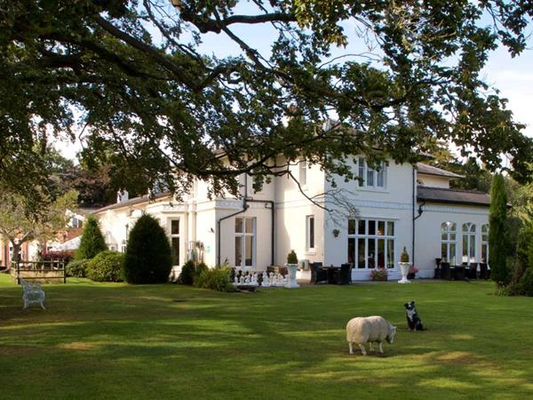 Best Western Wrexham Llyndir Hall Hotel Hotel Grounds