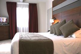 93841_006_Guestroom