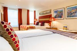 abbey-hotel-bedrooms-03-84259