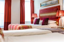abbey-hotel-bedrooms-04-84259