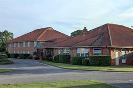 allerton-court-hotel-grounds-and-hotel-03-84213