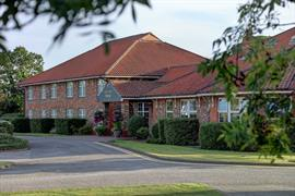allerton-court-hotel-grounds-and-hotel-04-84213