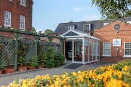 baylis-house-hotel-grounds-and-hotel-04-84246