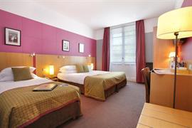 93527_004_Guestroom