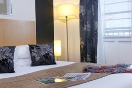 93527_007_Guestroom