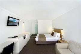 90792_001_Guestroom