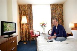 95436_002_Guestroom