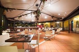 98233_007_Restaurant