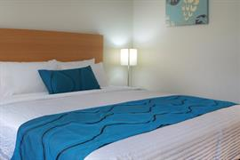 97402_005_Guestroom