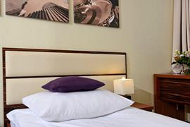 81028_003_Guestroom