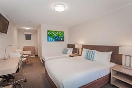 97419_000_Guestroom