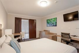 97419_002_Guestroom