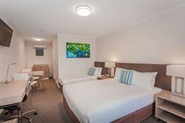 97419_004_Guestroom
