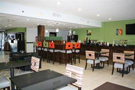 34176_005_Restaurant