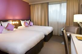 93721_003_Guestroom