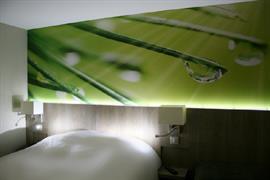 93755_003_Guestroom