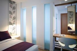 77702_006_Guestroom