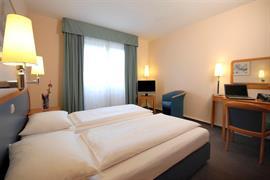 95486_005_Guestroom