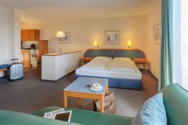 95486_006_Guestroom