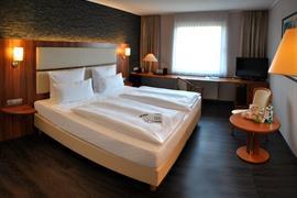 95470_006_Guestroom