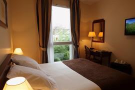 93620_002_Guestroom