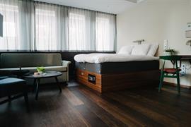 88215_001_Guestroom