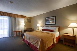 05271_005_Guestroom