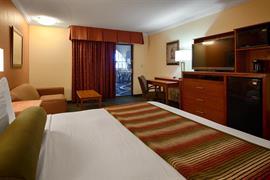 17080_005_Guestroom