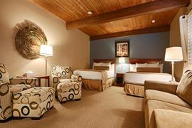 45056_005_Guestroom
