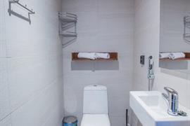 91114_005_Guestroom