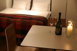 91113_007_Guestroom