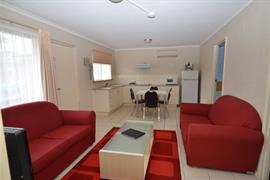 90862_005_Guestroom