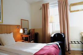 88188_007_Guestroom