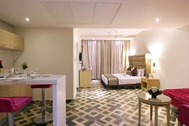 76963_000_Guestroom