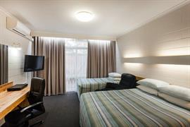 90152_003_Guestroom