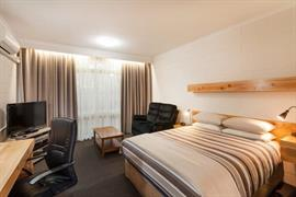 90152_004_Guestroom