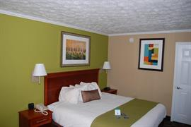 11045_001_Guestroom