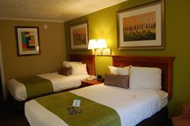 11045_006_Guestroom
