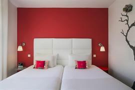93833_002_Guestroom