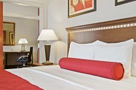 10352_006_Guestroom