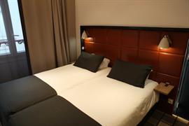 93490_004_Guestroom