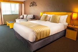 90882_001_Guestroom
