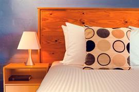 90882_005_Guestroom